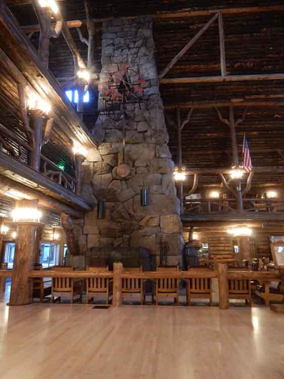 Old Faithful Inn - Yellowstone National Park Lodge